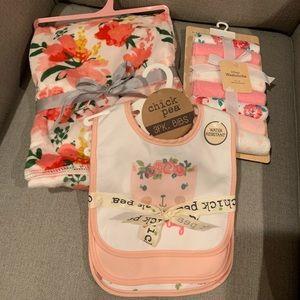 Floral baby blanket, 8x wash clothes &3x bib set